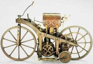 """в статье идет речь о веломотор """"Комета"""", бензиновые двигатели  и двигатель Yamaha"""