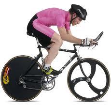 катаясь на велосипеде, правильно садителсь на него!